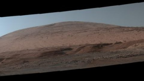 8 Martian Postcards to Celebrate Curiosity's Landing Anniversary